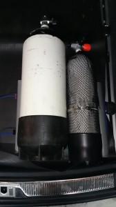 Rollsicherung - Zwei Flaschen fixiert mit der Rollsicherung. Die Flaschen danach dann noch mit einem Spanngurt vor starkem Bremsen und Unfällen schützen